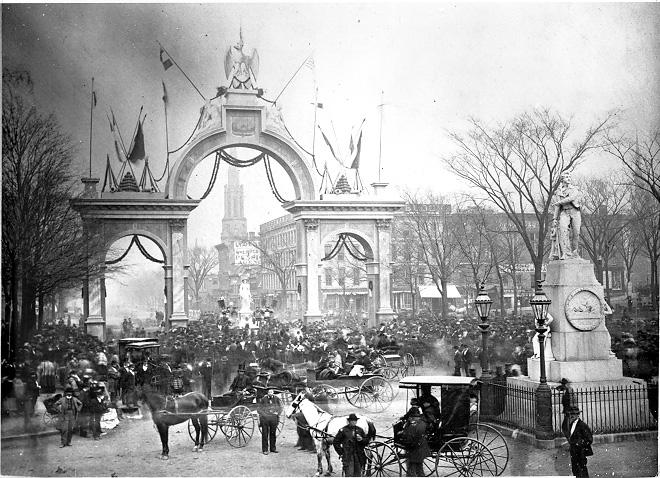 A large temporary triumphal arch spanned Superior Avenue on Public Square a part of a celebration of Germany