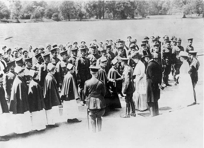 The Lakeside Nursing Unit is received by King George V and Queen Mary at Buckingham Palace, 18 May 1917. CWRU Archives.
