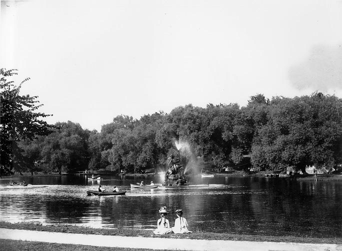 The lagoon and fountain at Wade Park, ca. 1900. WRHS.