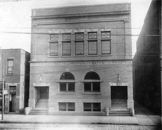 Cleveland Public Bath House as it appeared early in the Twentieth Century. WRHS