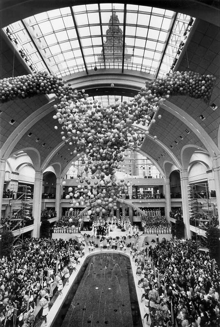 "Grand Opening of ""The Avenue"" at Tower City Center, March 1990. Courtesy of the Plain Dealer."