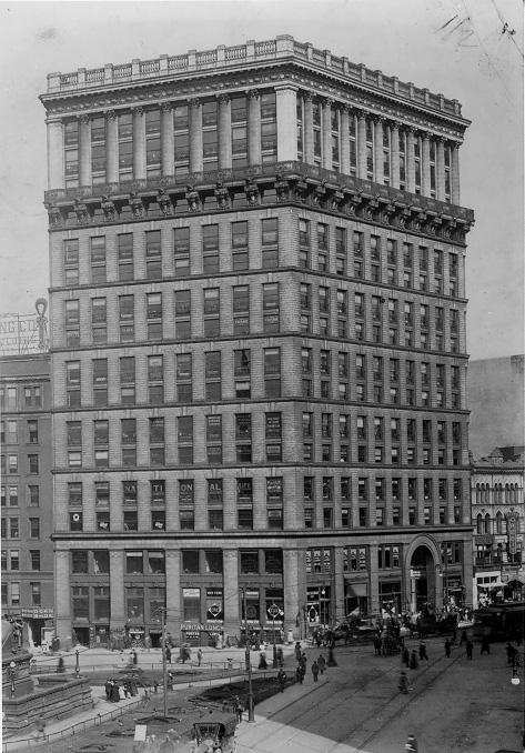 The Williamson Building on Public Square, ca. 1920s. Courtesy of the Plain Dealer.