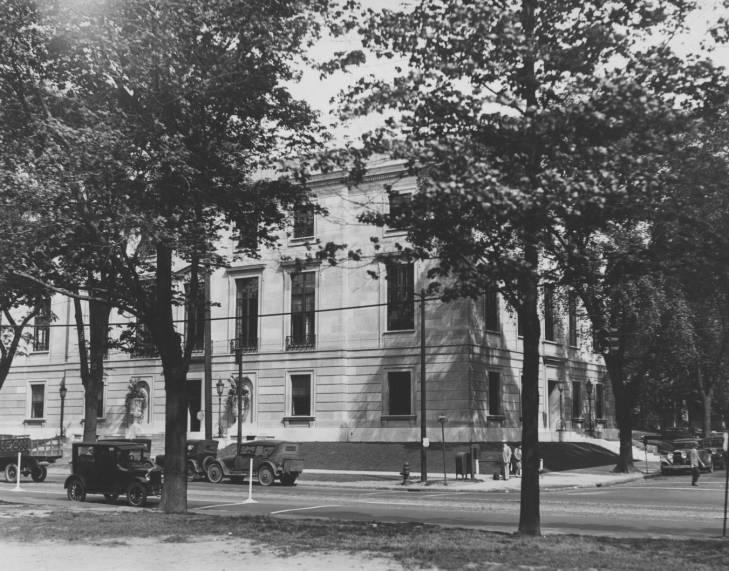 Photo of the Allen Memorial Medical Library from across the street, 1929.