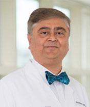 photo of Dr. Neil Mehta, associate dean for curricular affairs Cleveland Clinic Lerner College of Medicine Case Western Reserve University