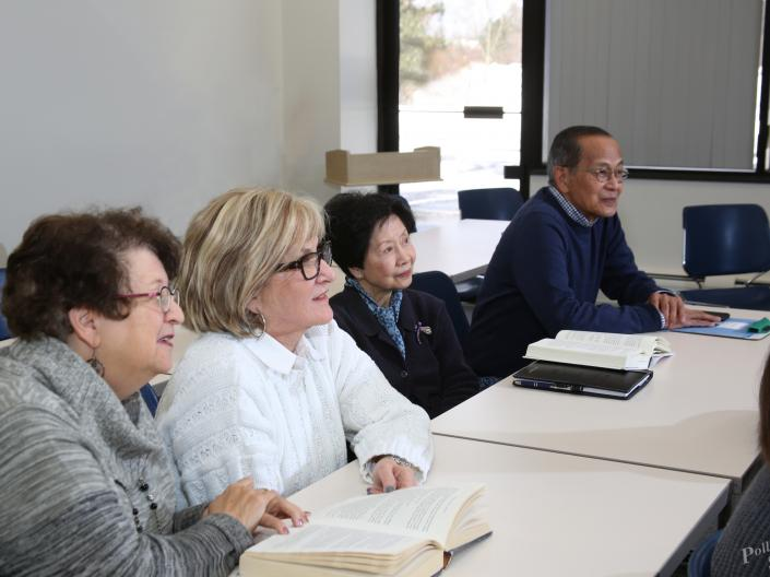 students at Siegal Lifelong Learning