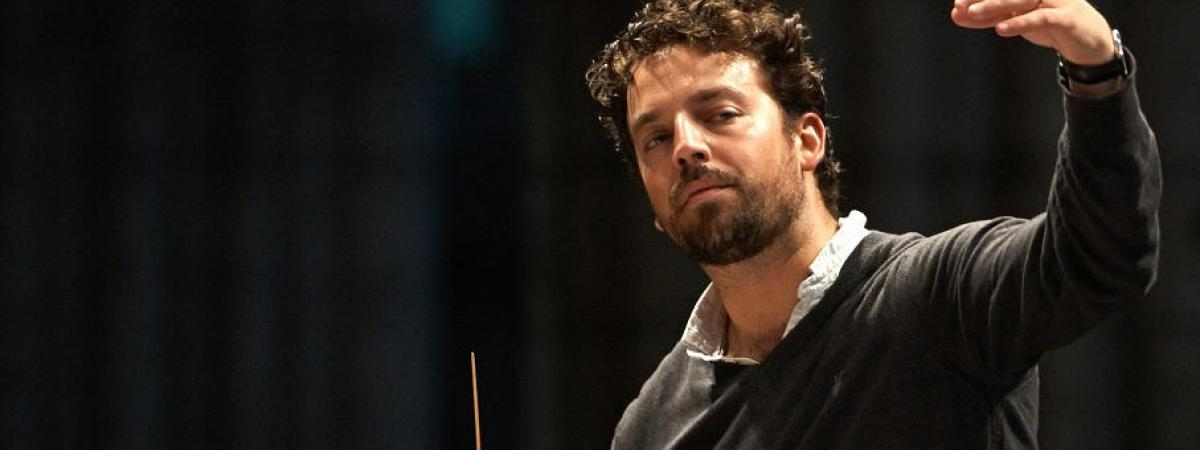 Photo of James Gaffigan, conductor of CityMusic