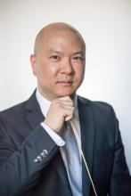 Headshot of Yoon Jae Lee, artistic director of Heights Chamber Orchestra