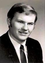 Headshot of Pete Kaluszyk, male certified anesthesiologist in suit